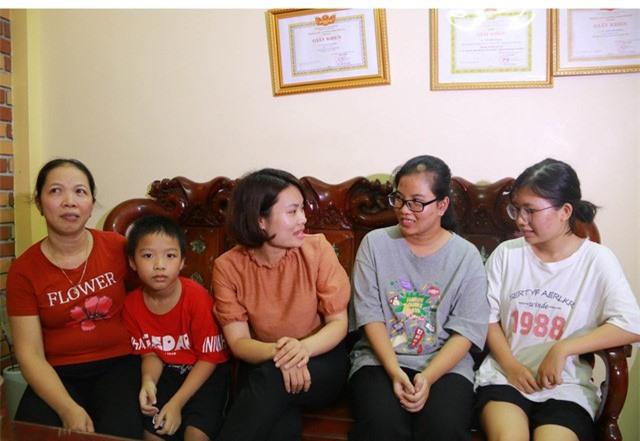 Nữ thủ khoa khối C ở Ninh Bình đạt hai điểm 10 tiết lộ bí quyết học tập - Ảnh 1.