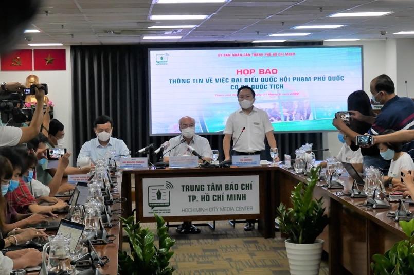 Ông Từ Lương – Phó Giám đốc Sở Thông tin và Truyền thông phát biểu tại buổi họp báo.