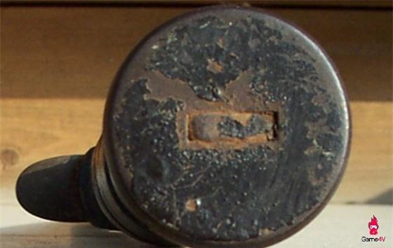 Một con dao KA-BAR trong trạng thái gần như nguyên vẹn sau hơn 40 năm sử dụng