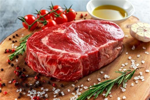 Dùng chanh hoặc giấm khử mùi hôi thịt bò
