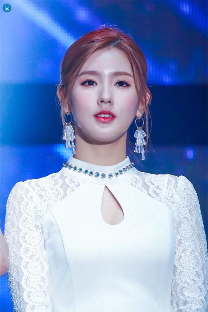 Mi Yeon gây tranh cãi vì được gọi 'idol đẹp nhất Kpop' - Ảnh 5