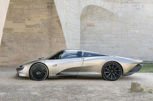 1. McLaren Speedtail 2021 (thời gian tăng tốc từ 0-100 km/h: 2 giây).