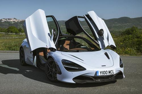 =3. McLaren 720S 2020 (thời gian tăng tốc từ 0-100 km/h: 2,7 giây).