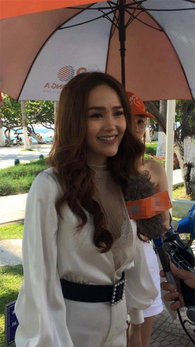 Bị chụp lén, mỹ nhân Việt người đẹp mê hồn, người 'vỡ mộng' bởi cú lừa mang tên photoshop - Ảnh 2