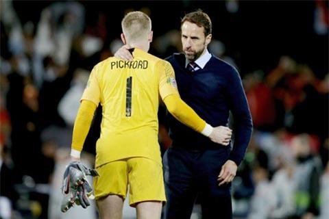 Phong độ thất thường gần đây của thủ môn Pickford đang khiến HLV Southgate của ĐT Anh lo lắng