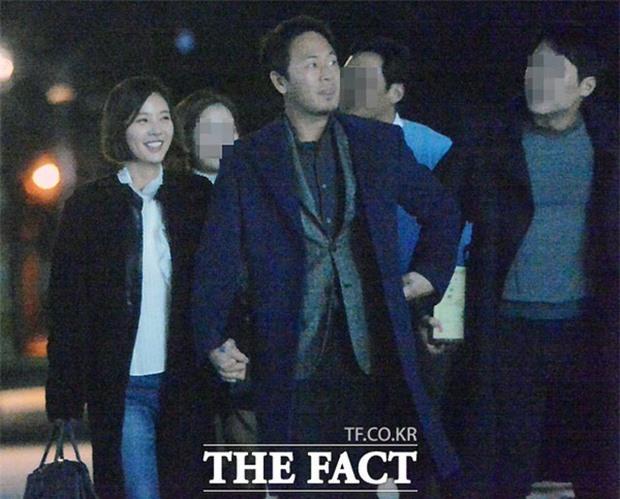 Nghe tin Hwang Jung Eum ly hôn mới thấy đời cô sao lại khổ giống phim Secret Love thế này! - Ảnh 1.