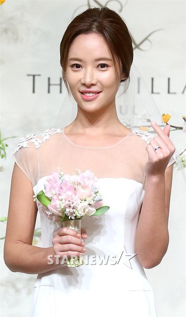 Nghe tin Hwang Jung Eum ly hôn mới thấy đời cô sao lại khổ giống phim Secret Love thế này! - Ảnh 7.