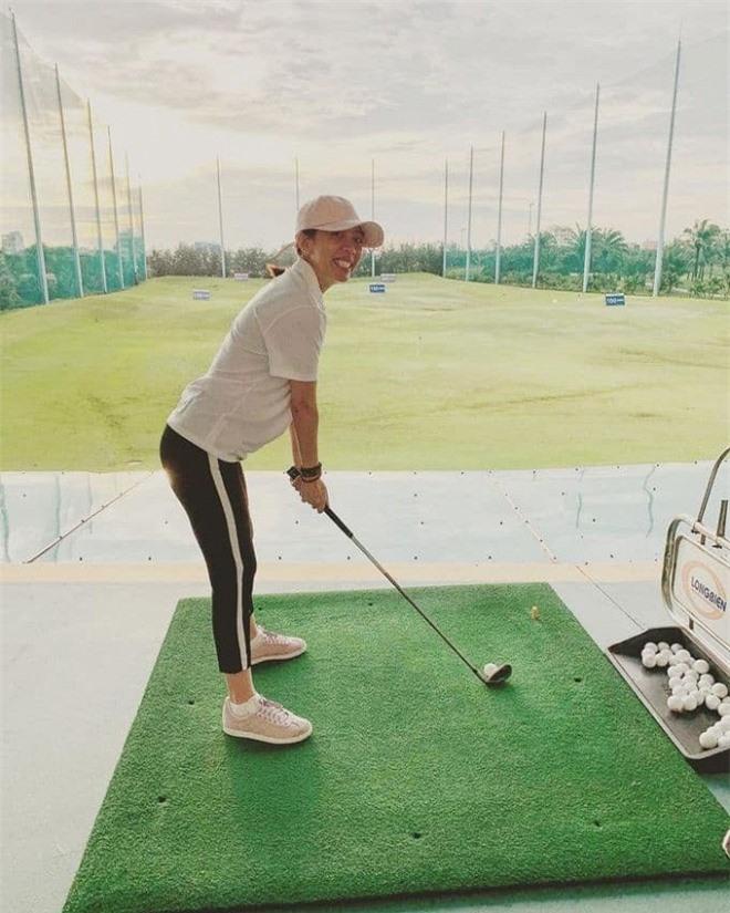 trang phục đánh golf 3