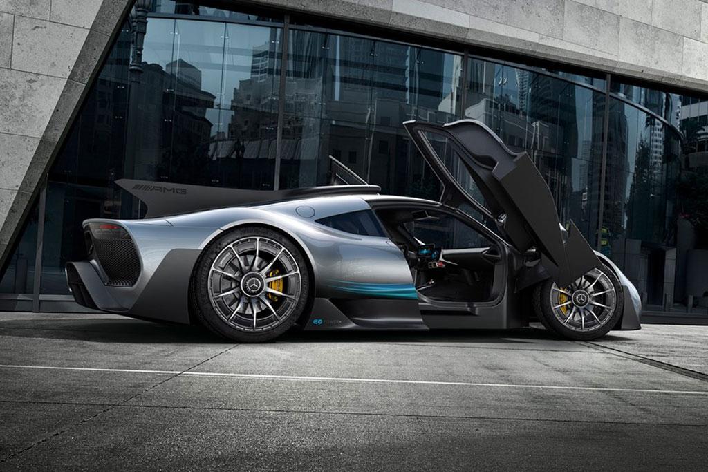 =3. Mercedes-AMG One (thời gian tăng tốc từ 0-100 km/h: 2,7 giây).