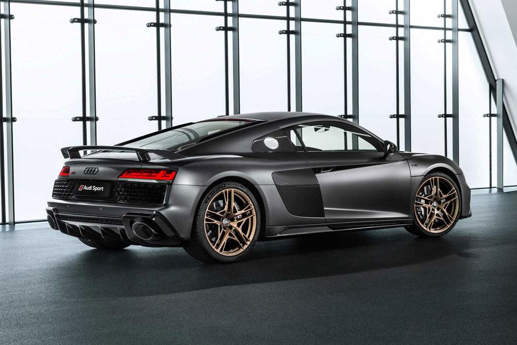 =8. Audi R8 V10 Decennium (thời gian tăng tốc từ 0-100 km/h: 3,1 giây).