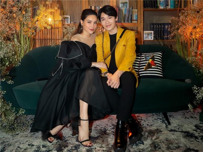 Diễn viên Quang Trung yêu mến và đến ủng hộ đàn chị.