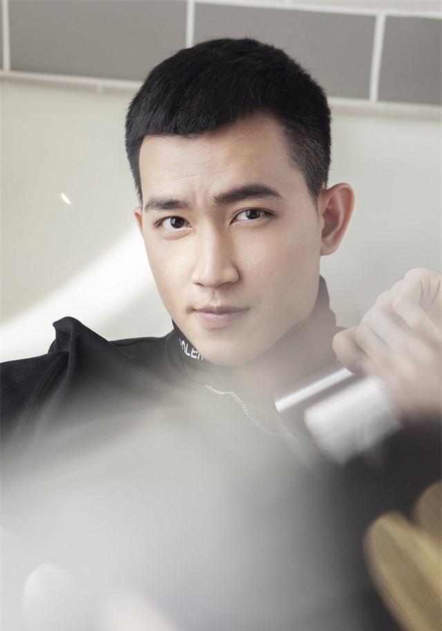 Nam diễn viên Cát đỏ đẹp như sao Hàn trong bộ ảnh mới - Ảnh 2.
