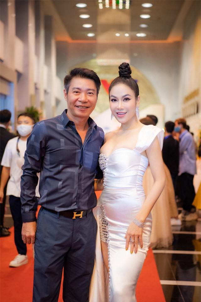 Ca sĩ Tuyết Nga đọ sắc bên cạnh Hồng Diễm  - Ảnh 5.