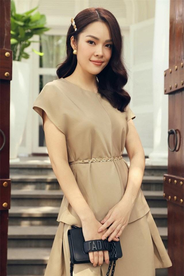 """Dương Cẩm Lynh:  """"Không ai đang hạnh phúc mà lại chạy theo trào lưu ly hôn để một đời bất hạnh"""" - Ảnh 3."""