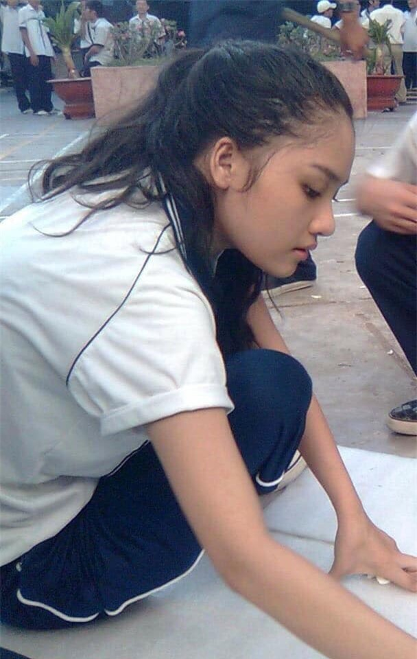 Ngày khai giảng, Nhã Phương, Diễm My 9X khoe ảnh học sinh siêu dễ thương - Ảnh 6.
