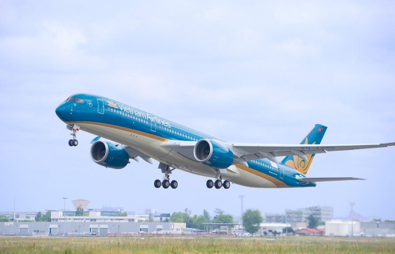 Từ ngày 7/9 đến hết ngày 10/9, mỗi ngày Vietnam Airlines sẽ khai thác 1 chuyến khứ hồi giữa Hà Nội - Đà Nẵng, khởi hành từ Hà Nội lúc 16 giờ 5 và từ Đà Nẵng lúc 18 giờ 5; 1 chuyến khứ hồi giữa Tp.HCM - Đà Nẵng, khởi hành từ Tp.HCM lúc 16 giờ 5 và từ Đà Nẵng lúc 18 giờ 20.