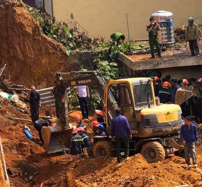 Hiện trường vụ tai nạn làm 4 người chết tại Trung tâm Hướng nghiệp Phú Thọ.