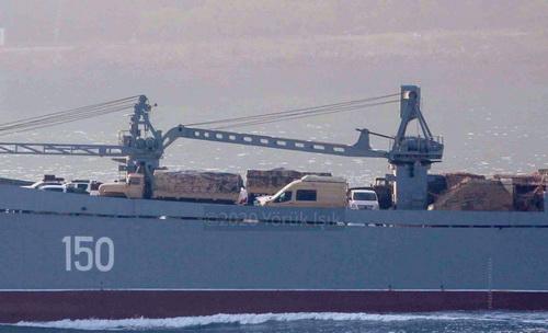 Hệ thống tác chiến điện tử Groza-S của Belarus trên tàu vận tải cỡ lớn của Nga. Ảnh: Yoruk Isik.