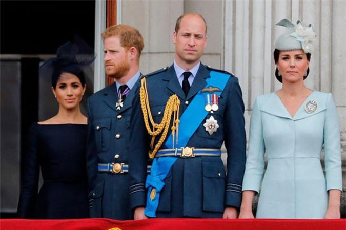 Vợ chồng Harry - Meghan và Wiliam - Kate trên ban công Điện Buckingham hồi tháng 7/2018. Ảnh: AFP.