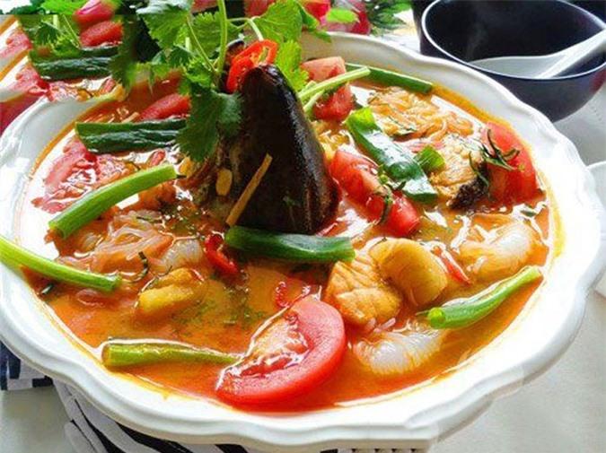 Cách nấu canh chua cá hồi thơm ngon