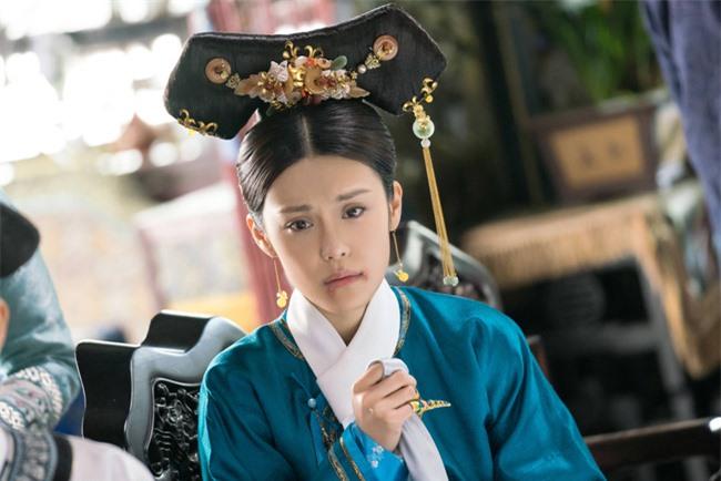 Nàng phi tần xuất thân danh gia vọng tộc bị Hoàng đế Càn Long chán ghét nhưng an phận trong hậu cung đến tận 46 năm - Ảnh 2.