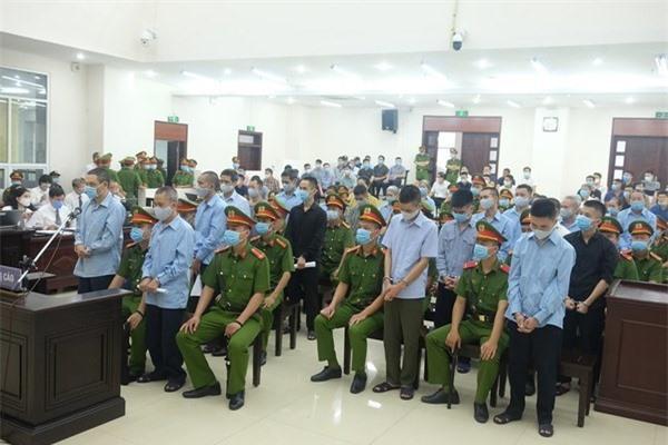 Nước mắt người cha liệt sĩ công an trong phiên tòa xét xử vụ Đồng Tâm