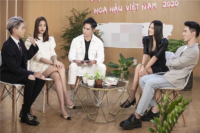 Series talkshow Hoa hậu Việt Nam phát sóng định kỳ thứ ba và thứ sáu hàng tuần với nhiều chủ đề. Khách mời là các hoa hậu tiền nhiệm và những người nổi tiếng.