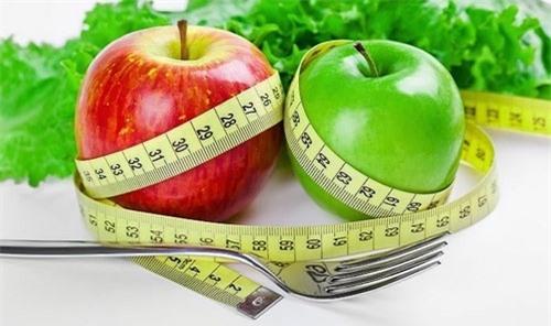 Ăn táo đánh bay mỡ thừa từ 3-5kg hiệu quả