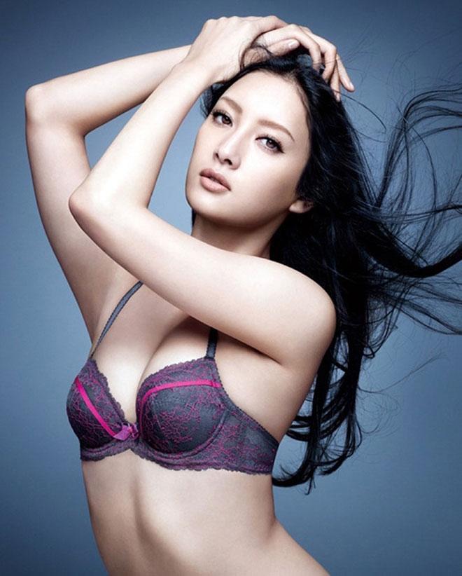 Cô là người mẫu, diễn viên khá nổi tiếng ở xứ sở hoa anh đào.