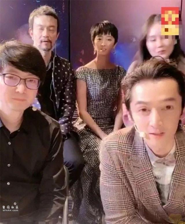 Nghệ sĩ Trung Quốc trở nên kì dị khi lạm dụng phần mềm chỉnh ảnh - Ảnh 9.