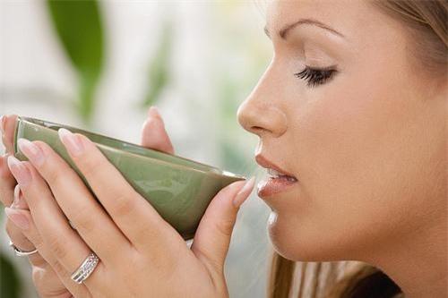 Sức khỏe, làm mẹ, chăm con, nuôi con, uống trà, trà xanh, bệnh gan, chữa bệnh, trị bệnh, đàn ông