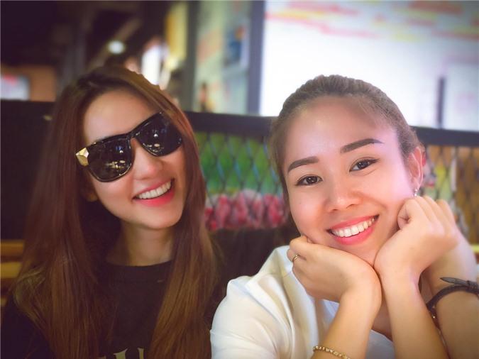 Ngân Khánh (trái) kể tình bạn của cô và Lê Phương kéo dài khoảng 14 năm.