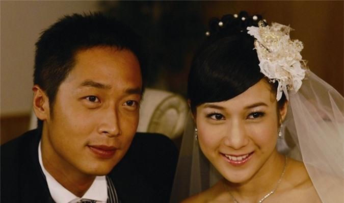 Mã Tuấn Vỹ đóng cặp với Chung Gia Hân trong năm phim: Gia đình vui vẻ phiên bản hiện đại (2004), Kim thạch lương duyên (2008 - ảnh), Tình bạn thân thiết (2009), Bồ Tùng Linh (2010) và Người cha phú quý (2012).