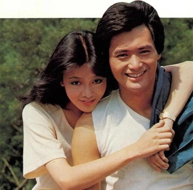 Đẹp đôi trên phim, cặp đôi cũng đắt show chụp hình quảng cáo, tạp chí. Sau này, Châu Nhuận Phát tập trung phát triển mảng phim điện ảnh, Trịnh Du Linh chủ yếu là MC. Hai người đồng nghiệp cũ ít khi có dịp họp mặt.