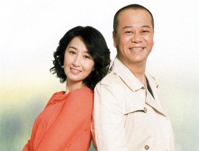 Ngoài đời, Âu Dương Chấn Hoa thân thiết với cả hai vợ chồng Quan Vịnh Hà - Trương Gia Huy.