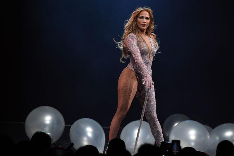 =4. Jennifer Lopez. Tổng tài sản: 400 triệu USD.