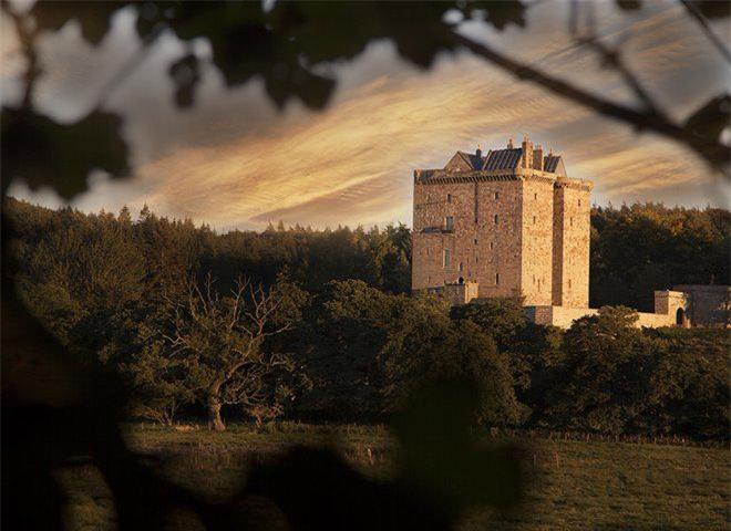 """Lạc vào đất nước """"đàn ông mặc váy"""", tận mắt khám phá 9 lâu đài đẹp như cổ tích - 10"""