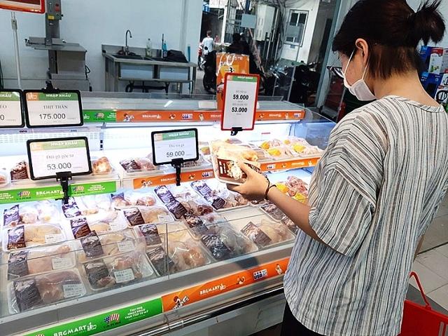 Thịt gà Mỹ nhập khẩu thu hút sự quan tâm mua sắm của khách hàng tại BRGMart