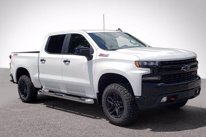 9. Chevrolet Silverado Trail Boss 2020 (giá khởi điểm: 41.295 USD).