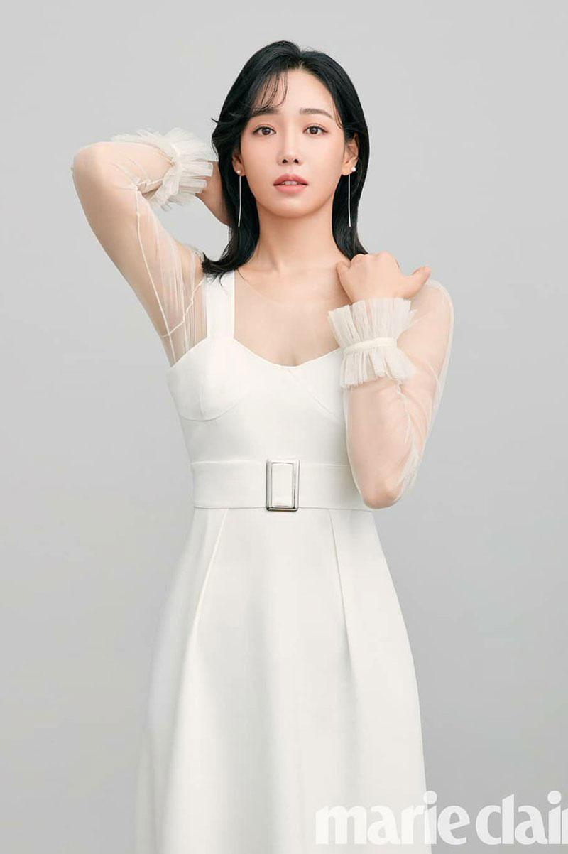 3. Lee Yoo Ri.