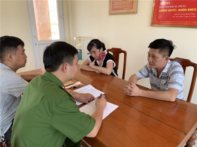 Hai đối tượng Hồ Thị Hiền Thanh và Lê Ngọc Cảnh tại cơ quan Công an (ảnh CA Quảng Bình)