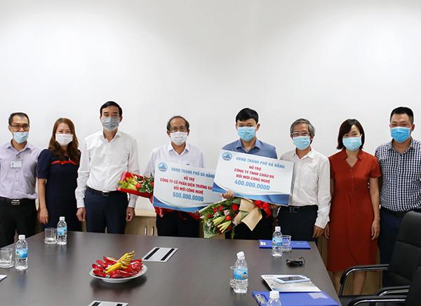 02 doanh nghiệp được Sở KH-CN Đà Nẵng trao kinh phí