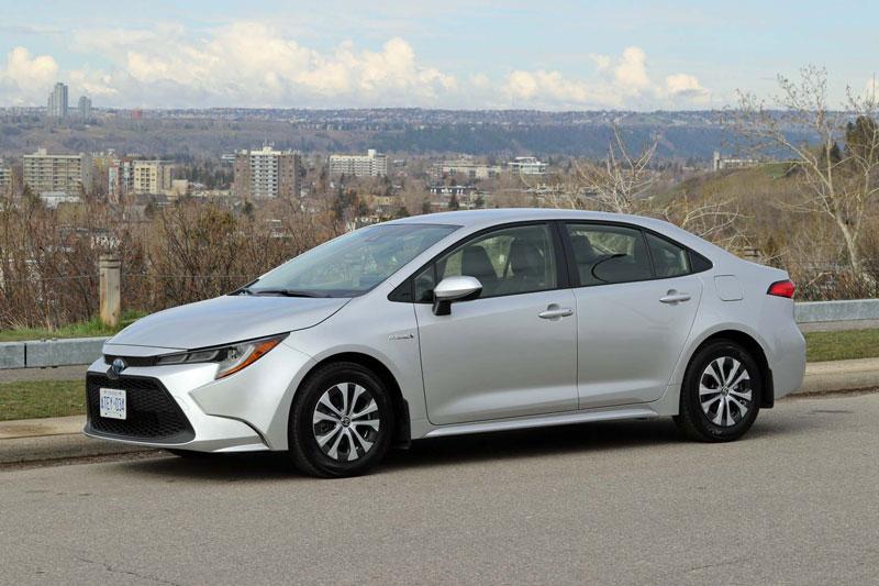=3. Toyota Corolla Hybrid 2020 (mức tiêu hao nhiên liệu ở đường hỗn hợp: 5,4 lít/100 km).
