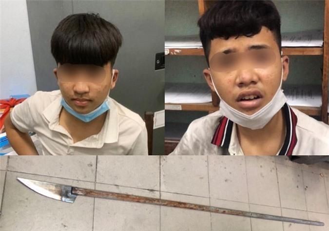 Bị truy đuổi, nhóm thiếu niên vung dao chém cảnh sát 911 Đà Nẵng