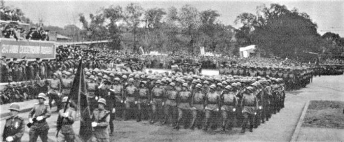 Diễu hành của Quân đội Liên Xô tại Cáp Nhĩ Tân để vinh danh chiến thắng trước Nhật Bản; Nguồn: topwar.ru