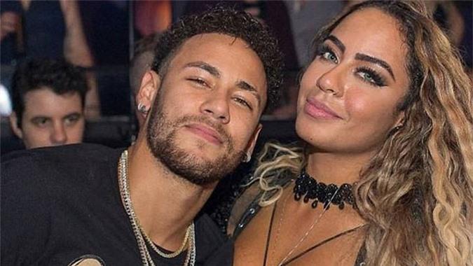 Tiệc tùng là đam mê của Neymar