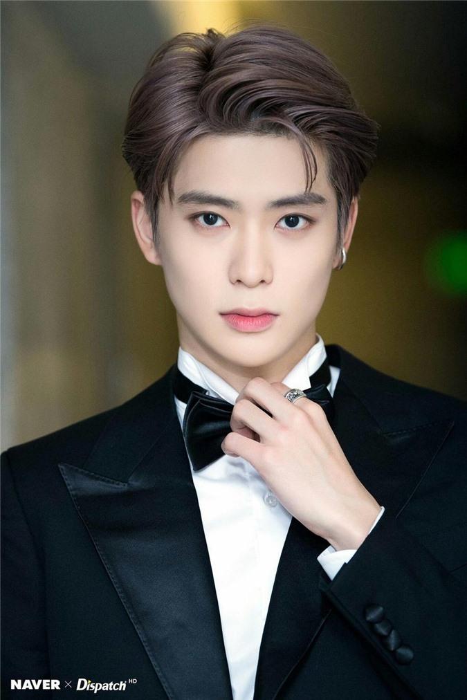 Top 5 idol nam khiến fan 'say nắng' vì sở hữu vầng trán thông minh, lại mang vẻ đẹp đậm chất quý tộc nhất - Ảnh 2