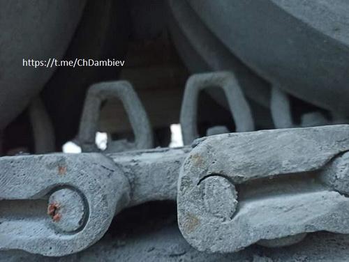 Chi tiết xích xe tăng cũng được làm một cách rất tỉ mỉ. Ảnh: ChDambiev.