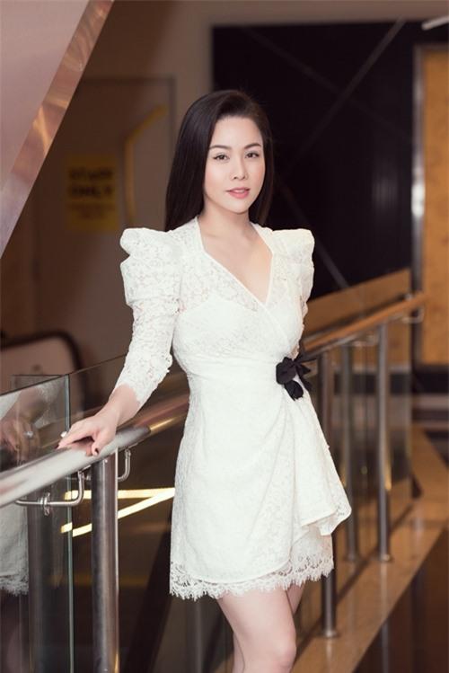 Ở dự án này, Nhật Kim Anh đóng vai Dung từ thời trẻ tới khi trung niên. Vai diễn khổ mệnh khiến cô có nhiều cảnh khóc, bị bắt cóc, truy đuổi, ngã sông... Vua bánh mỳ là sản phẩm mới của Nhật Kim Anh sau khi gặt hái nhiều thành công với phim truyền hình Tiếng sét trong mưa hồi năm ngoái.