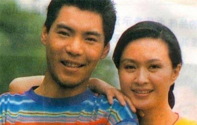 Vốn dĩ bà nổi tiếng hơn Lưu Hiểu Khánh nhưng lại ly hôn chồng vì một 'tiểu thịt tươi', giờ bà đã 61 tuổi! 2